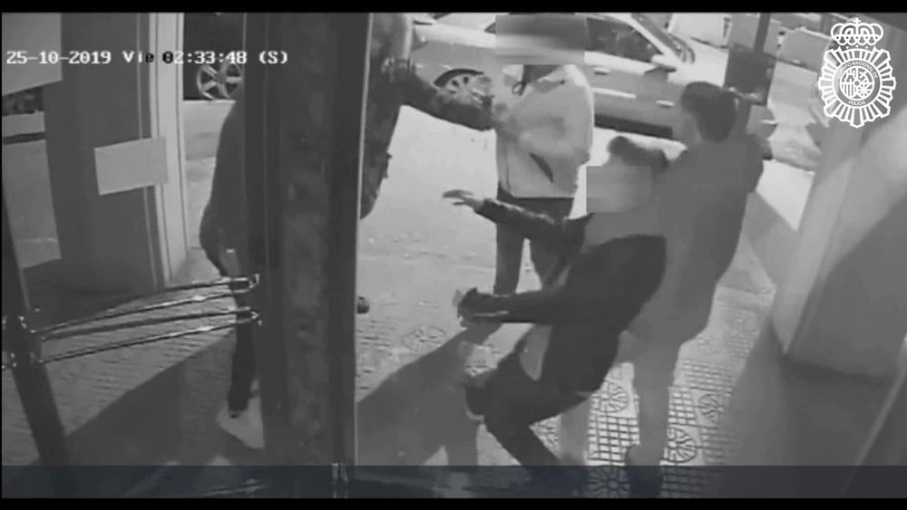 Detenidos por usar una peligrosa llave para robar