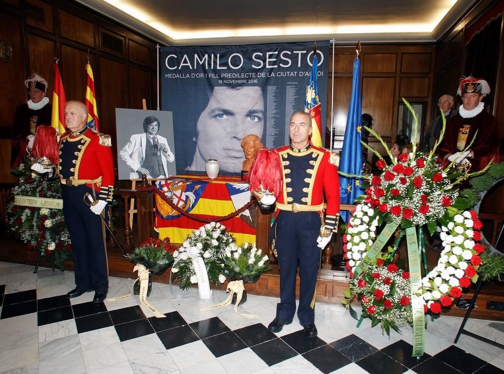 Las cenizas de Camilo Sesto reposarán en un mausoleo de Alcoy