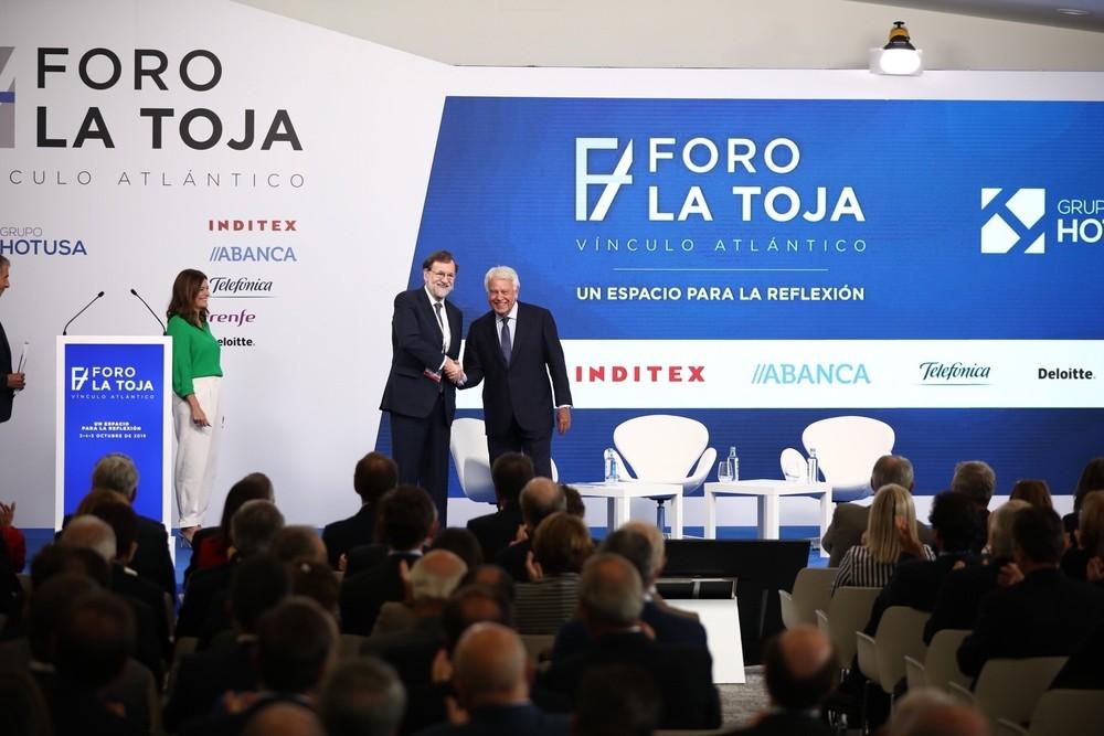Rajoy y González abogan por un Gobierno con pactos PP-PSOE
