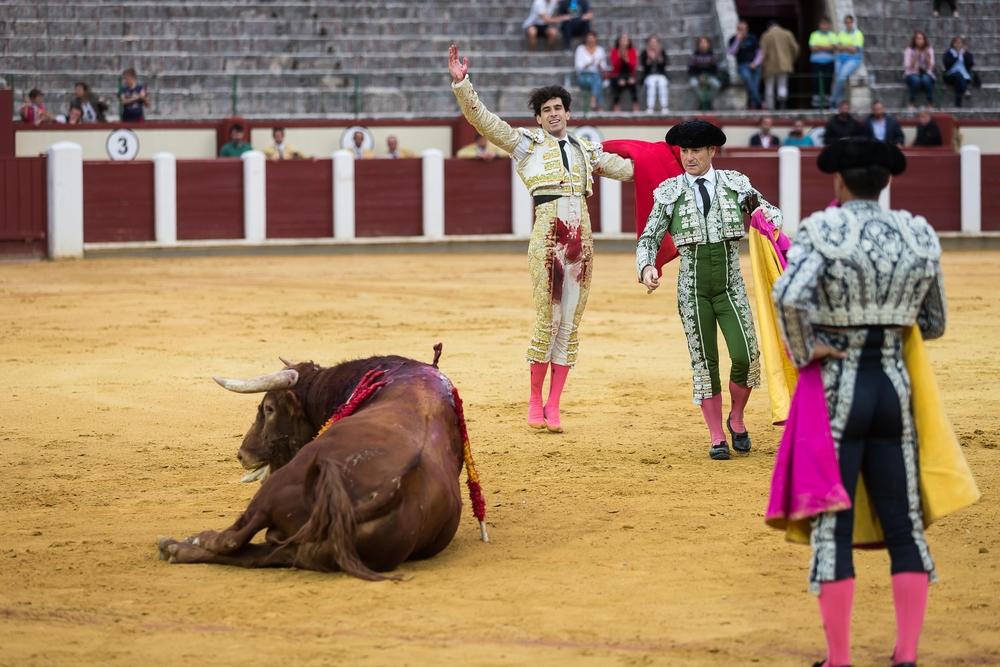 El Cid, López Simón y Ginés Martín, en la cuarta de abono de la Feria.