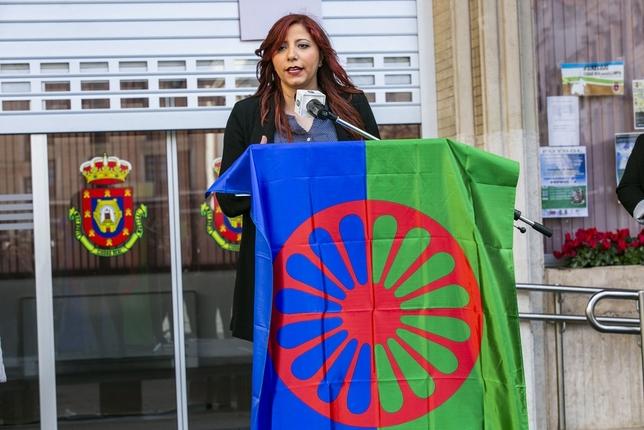 Pasos de orgullo del pueblo gitano Rueda Villaverde