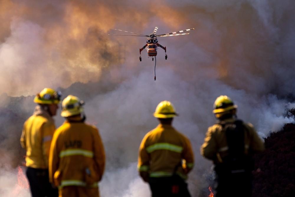 10.000 evacuados por los incendios que acechan California