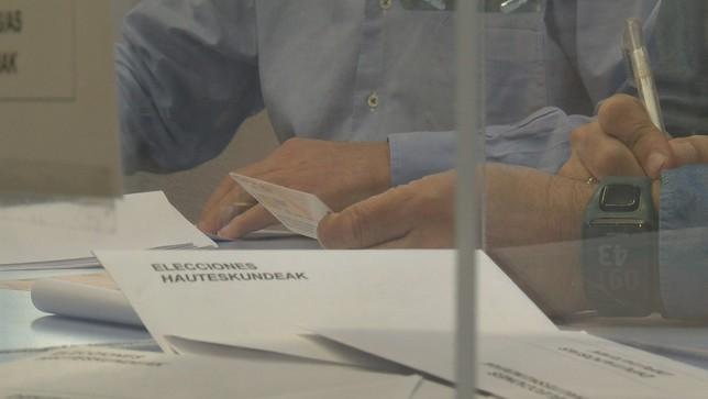 Nueve puntos más de participación en Navarra a media tarde