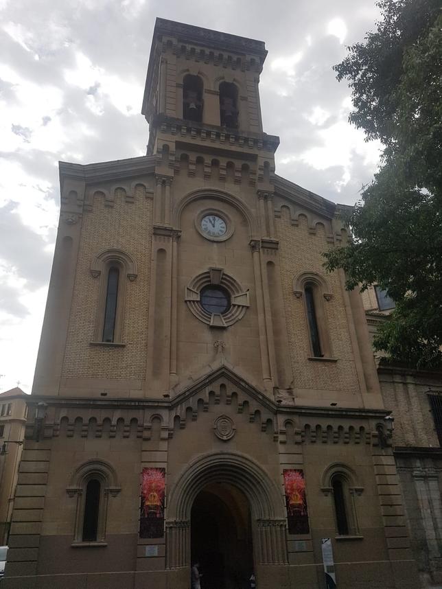 Un gran rayo en Pamplona destruye el reloj de San Lorenzo