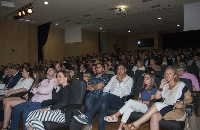 Start Up English reúne a más de 169 personas