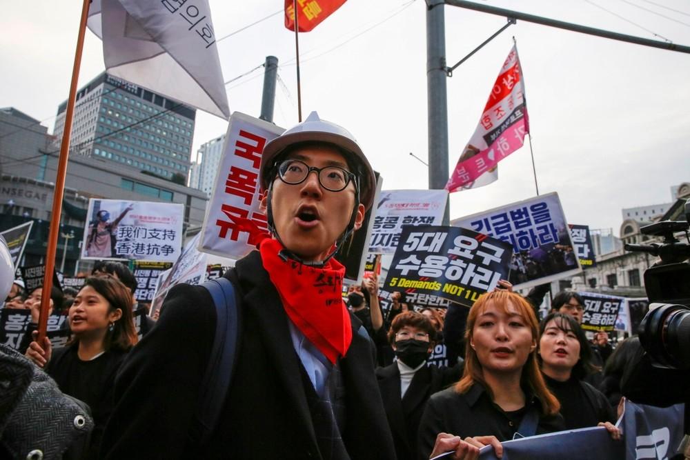 Calma en Hong Kong la víspera de elecciones