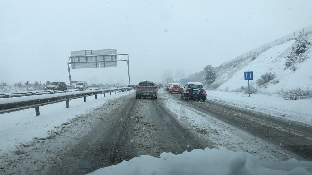Activados los planes invernales en carreteras y aeropuertos