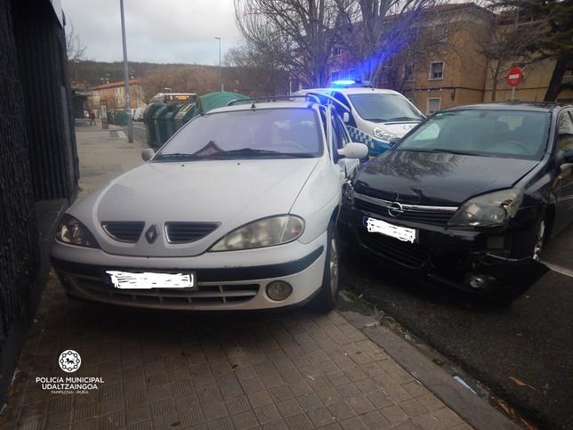 Conduce borracho y choca contra varios coches en Pamplona Policía Municipal de Pamplona