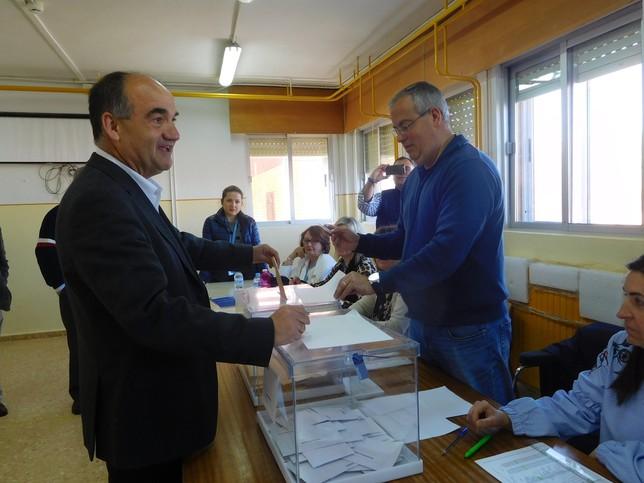 Los principales representantes ejercieron su derecho al voto