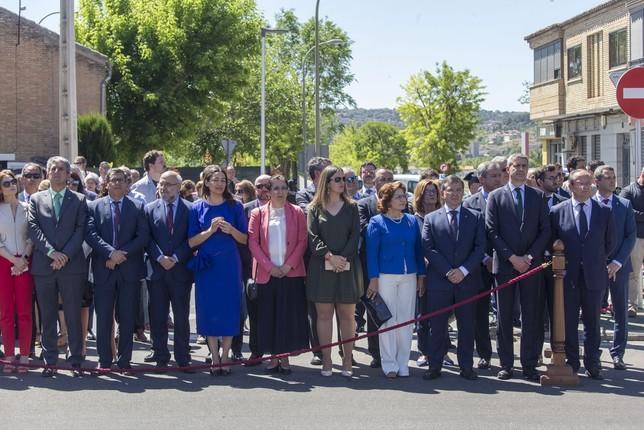 Las autoridades participaron e incluso cantaron el himno de la Guardia Civil.