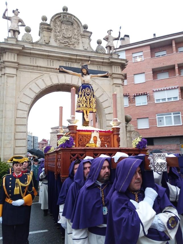 Procesión acortada para el Cristo del Mercado