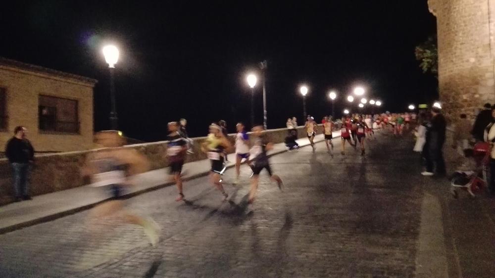El laberinto de Toledo se llena de runners con la Nocturna