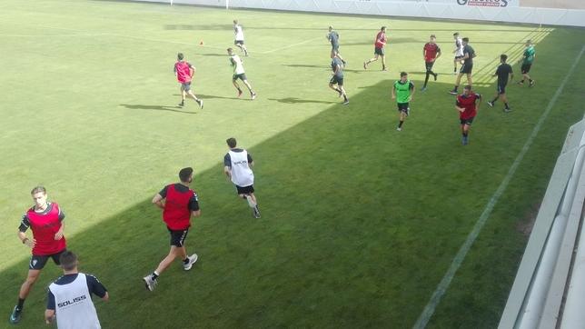 Los jugadores del Albacete realizan su primer entrenamiento. Vídeo: Albacete Balompié