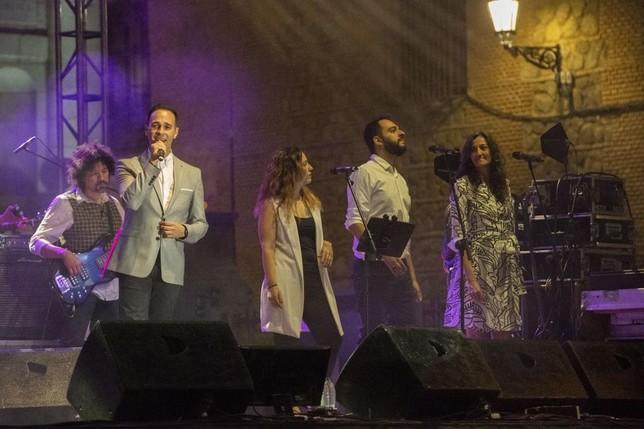 Víctor Trejo, actuó anoche en la plaza del Ayuntamiento.