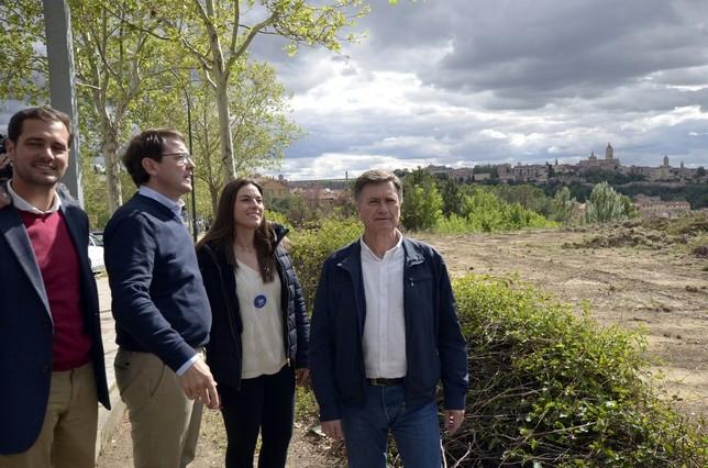 Mañueco visita el inicio de las obras del instituto de San Lorenzo Aurelio Martin