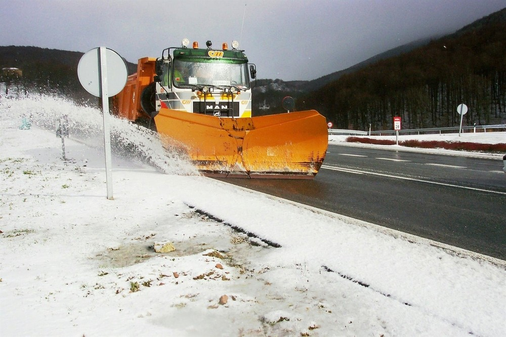 Previsto un dispositivo con 44 quitanieves por las nevadas