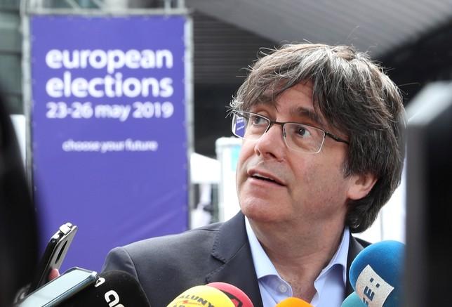 Evitan que Puigdemont sea eurodiputado a través de su abogado