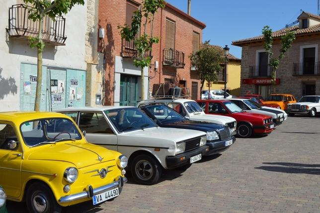 Más de un centenar de vehículos clásicos se citan en Cigales