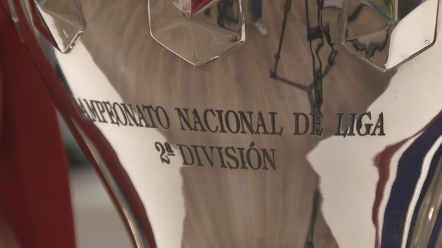 La copa de Segunda incluye el nombre de Osasuna como ganador de la competición NATV