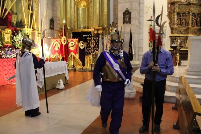 'Los Armaos' guardan el Monumento Eucarístico en Tarancón