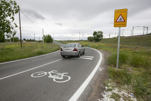 Señalizan el camino de Peralbillo para bicis y peatones