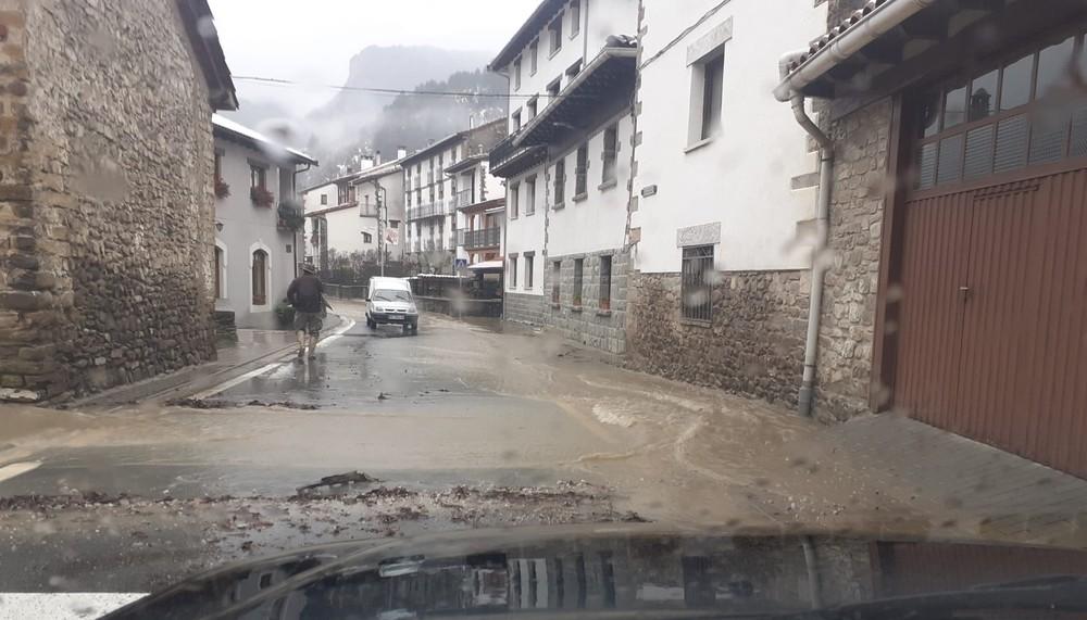 Burgui, incomunicado por sus tres accesos