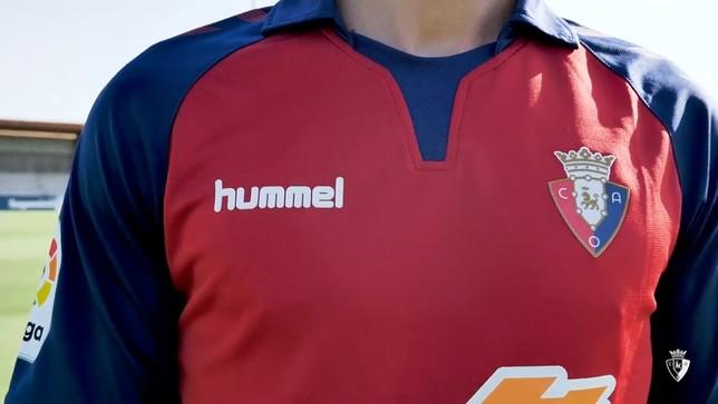 Osasuna presenta las equipaciones para Primera División