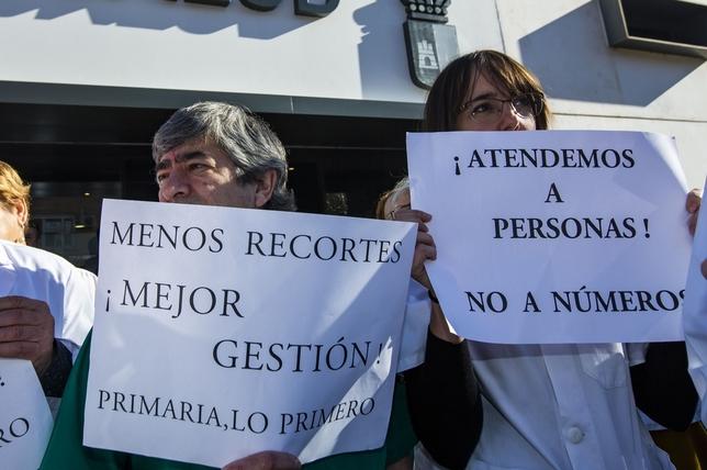 Los médicos piden más medios y más tiempo por paciente Rueda Villaverde