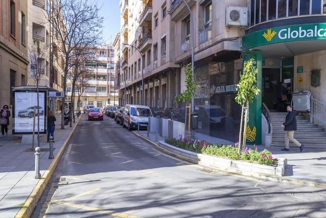 Primer paso para peatonalizar el entorno de Cervantes