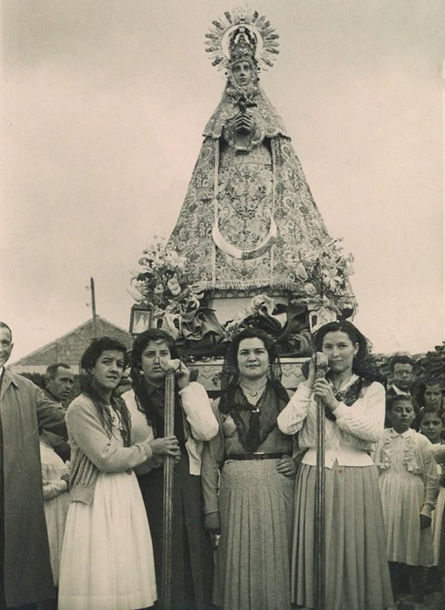 Una mirada a Nieva y sus gentes del blanco y negro