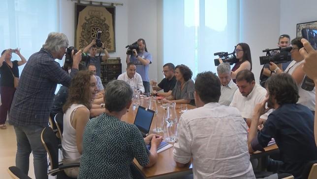 Se retoman las negociaciones para pactar el Gobierno de PSN