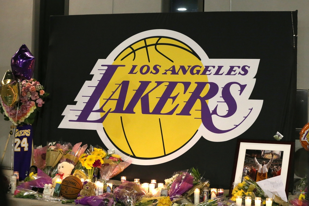 Former Los Angeles Laker Kobe Bryant dies in helicopter crash