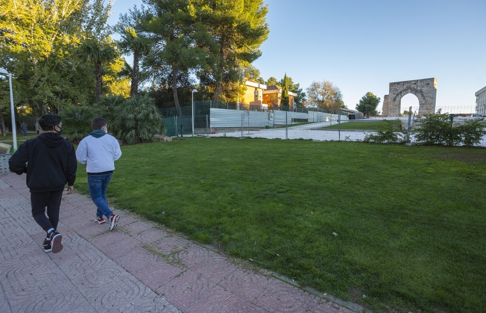 El arco del Torreón se libera de sus vallas