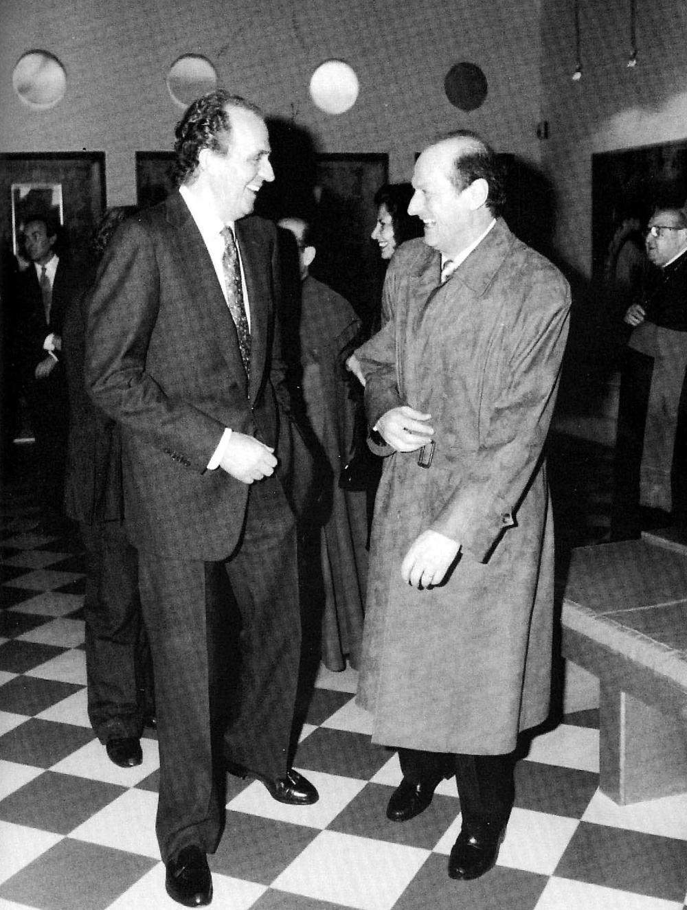 La complicidad entre el rey emérito y Bouza se prolongó durante décadas. Esta imagen es de 1994.