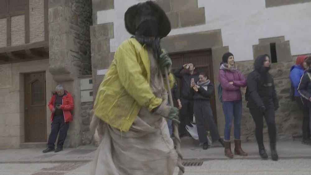 Fiesta, tradición y mucho color en los carnavales de Ituren