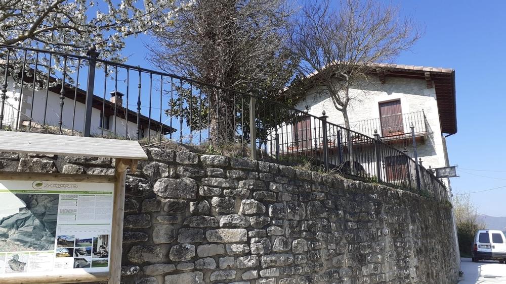 Llegan desde Toledo y alquilan una casa rural en Cildoz