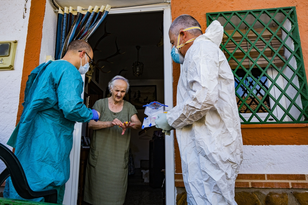 Una esponja e ingenio para detectar el Coronavirus en Horcajo