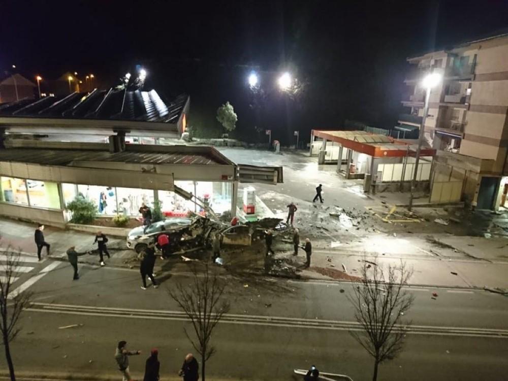 Un autobús arrolla a varias personas y vehículos en Estella