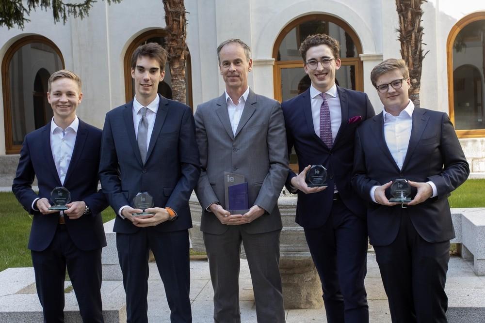 La Rotterdam School gana el torneo de negocios de IE