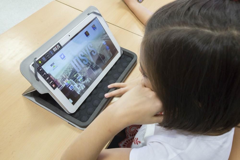 Comienza el reparto de 4.000 tablets entre el alumnado   Noticias ...