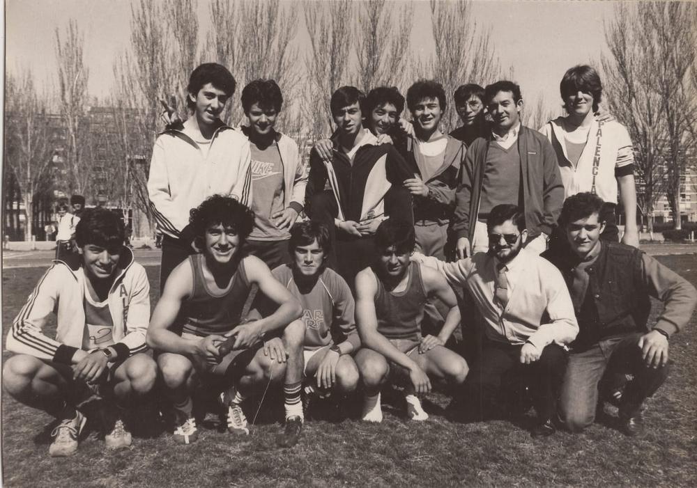 Un grupo de atletas del Virgen de la Calle, de los primeros años del Puentecillas