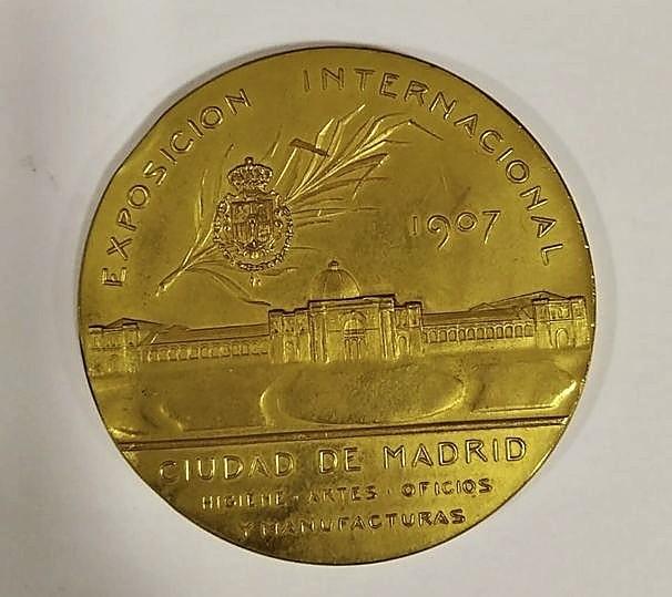 La Casa de Baños expondrá unas medallas al agua agria