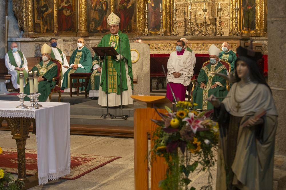 Misa 50 aniverario nombramiento de la Santa Doctora de la Iglesia.