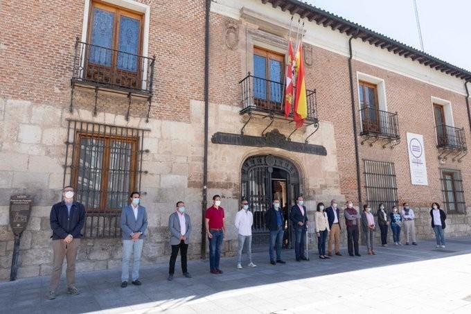 La Diputación se sumó al homenaje.