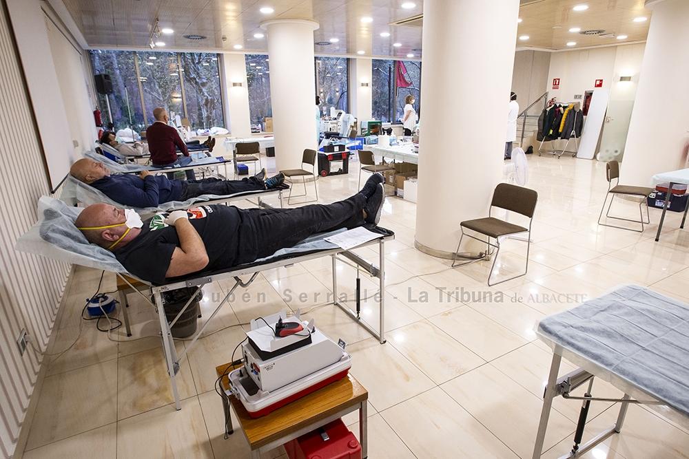 La Hermandad de Donantes de Sangre se traslada al hotel Los Llanos para transmitir una mayor seguridad
