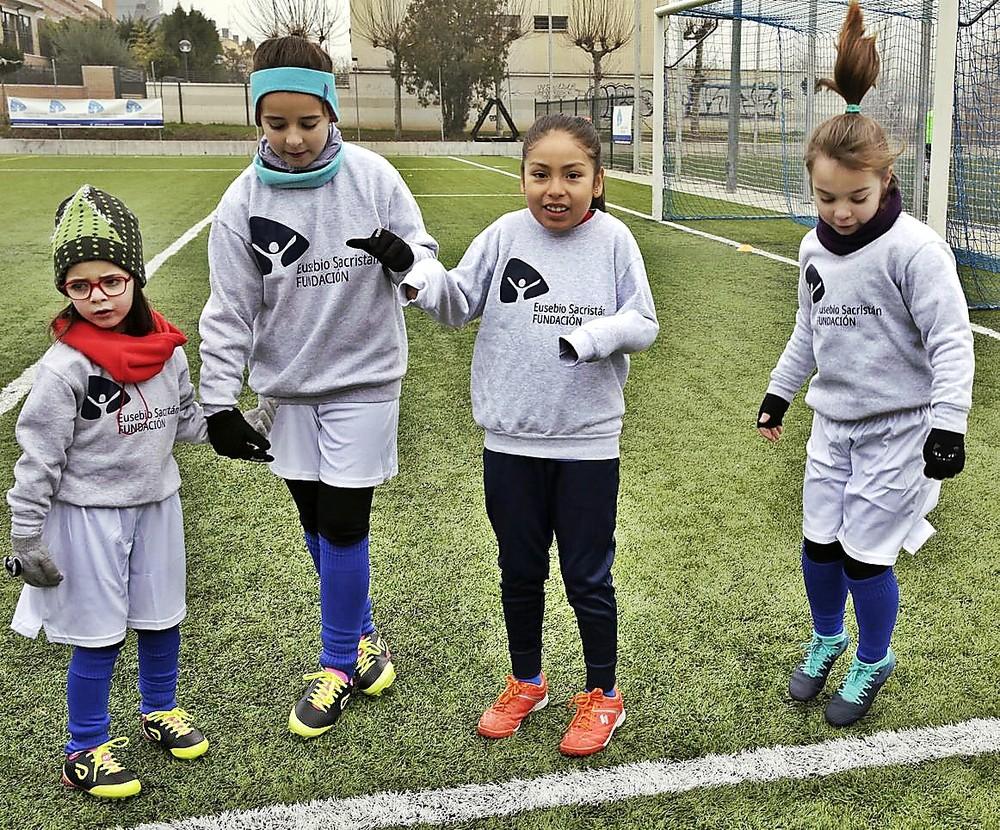 ¡Chicas al fútbol!