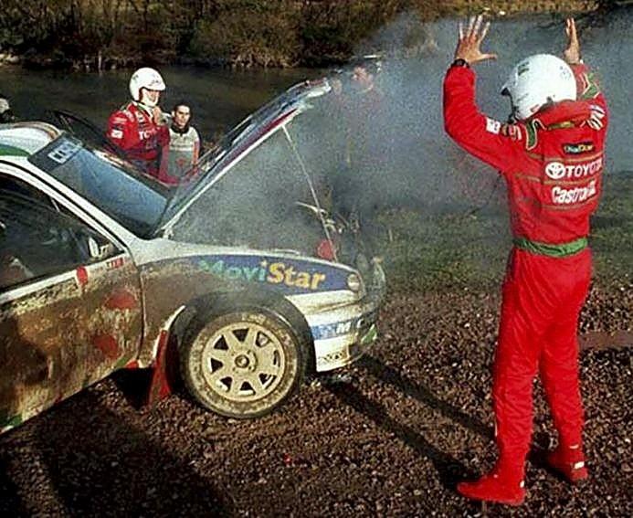 En 1998 (también le ocurrió en 1995) se quedó a escasos metros de conquistar el Mundial, pero su coche se paró en la última etapa del rally final.