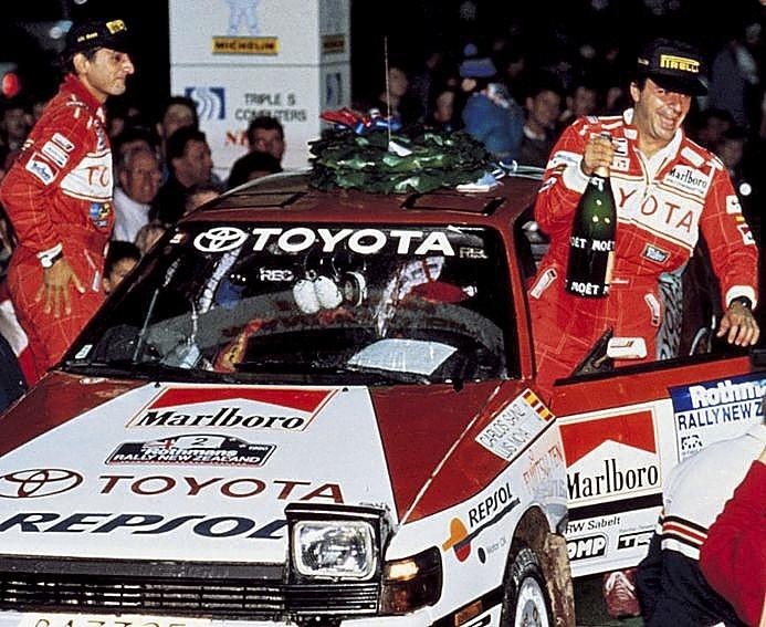 Moya y Sainz (d) vencieron en el mundial de rallies de 1992
