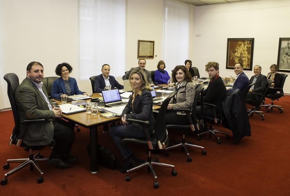 El Parlamento rechaza la presunta agresión sexual en Tudela