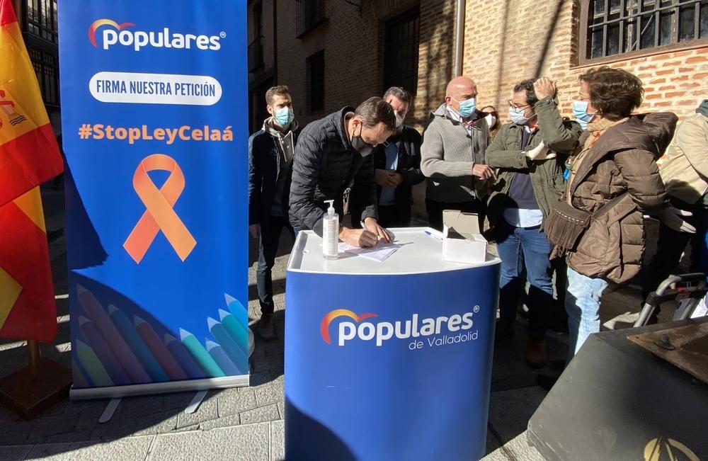 El PP de Valladolid recoge firmas contra la  ley Celaá